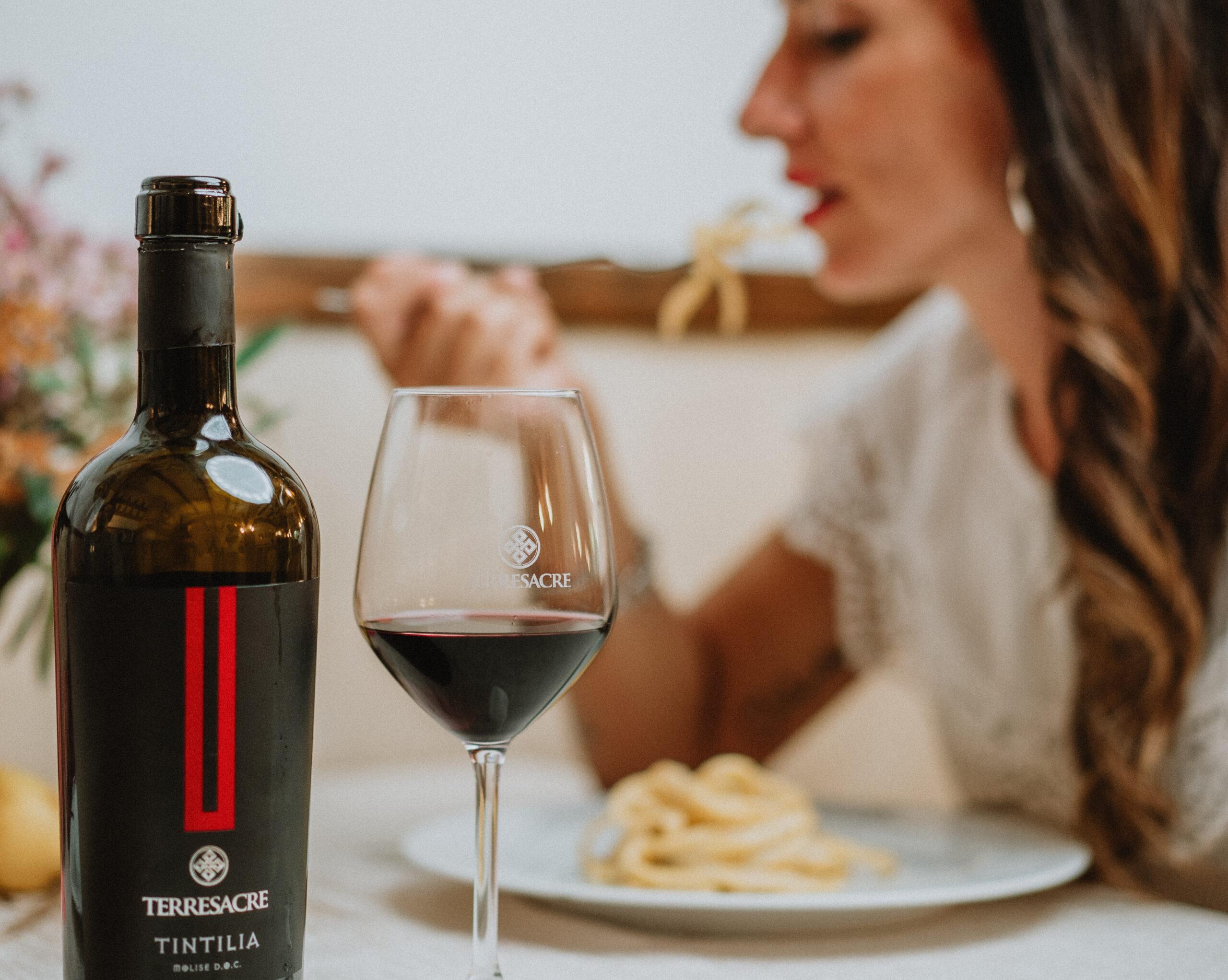 Ad ogni vino il suo calice! Ecco come servirli nel modo giusto!